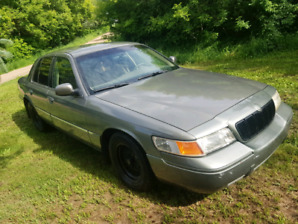 2002 grand marquis low kms
