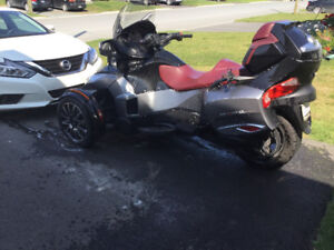 Moto can am spyder RT spécial edition 2015