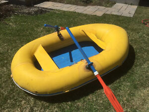 Raft , inflatable boat , canoe gonflable