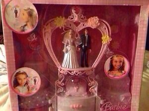 BRAND NEW BARBIE JEWELRY BOX