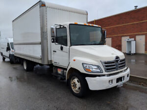 2010 hino 185 18 ft box/lift gate for sale 264609km