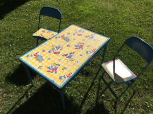 Vintage picnic table /chairs