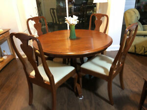 Stickley Bedroom set (king size),  1 year old, barely used.