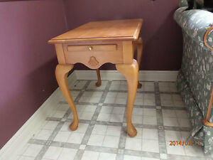 Maple end table London Ontario image 1