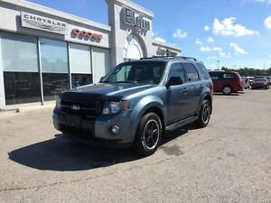 2012 Ford Escape XLT***Leather,AWD,Sunroof*** London Ontario image 9