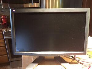 2 écrans  25 $ chaque