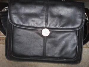 Lap Top Cases,Targus ( new) & Dell is used but good condition) West Island Greater Montréal image 3