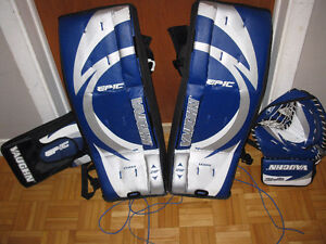 Goalie Pads, Stopper and Glove / Gardien de but 28""