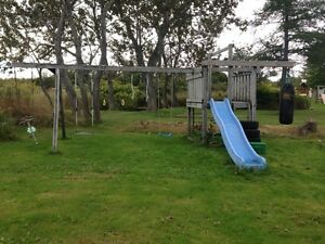 Swing set with heavy bag