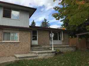 Fabulous 3 Bedroom House in Highly Sought After Prime West End Peterborough Peterborough Area image 1