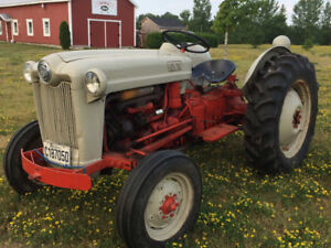 TRACTOR/TRACTEUR FORD 1953 Jubilee TRACTOR