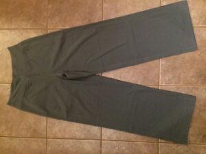 *New Lululemon Pants size 10*