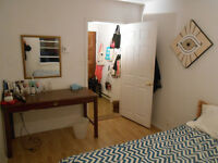 APPARTEMENT DISPONIBLE 24 OCTOBRE/ ROOM AVAILABLE OCTOBER 24