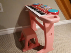 Kid's pink piano