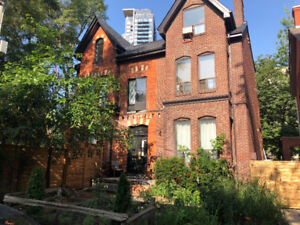 Cabbagetown, Sherbourne and Bloor, 1 min walk to subway