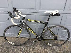 GT 3 Series road bike in excellent condition