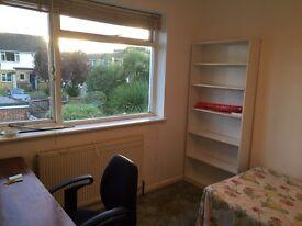 Room to rent in Uxbridge 1min away from Brunel university