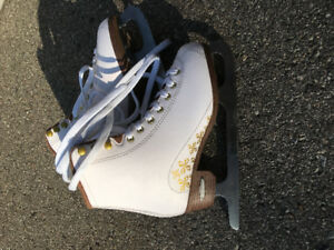 Girls Skate size 6. Figure skate. Ice Skate.