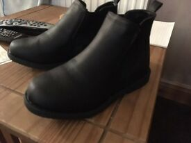 Brand new boys Chelsea boots size 3 never worn