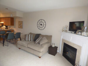Immaculate 3 bedroom, 2.5 bath condo for rent collingwood