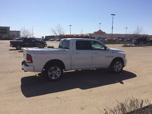 2013 Dodge Ram 1500 Sport - Low KM's