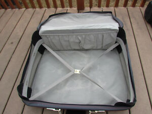 Samsonite Suitcase grey in great condition,with rollers,light Strathcona County Edmonton Area image 5