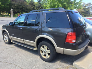2005 Ford Explorer Eddie Bauer Advance trac SUV, Crossover