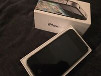 iPhone 4S 16gb Unlocked all networks sim free with charger