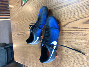 Nike soccer cleats- size 11
