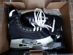 Bauer NEXUS hockey skates. Size 12 - new in box.
