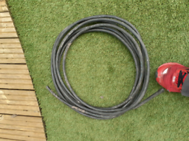 Black armoured 3 core cable 8m length