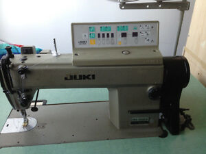 Industrial Sewing Machine / Machine a Coudre Industrielle - Nego
