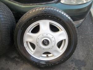 "4 MAG-CHEVROLET avec pneu d""ete TOYO 215 60R 15bon etat"