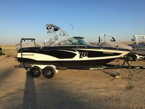 2013 MasterCraft X10 - FALL BLOWOUT - SAVE $6092