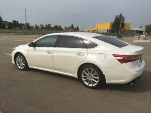 2015 Toyota Avalon LTD..Navigation/Blind/cooled seats  61,319km