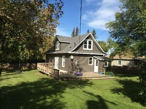 Story 1/2 Character House in BIRTLE