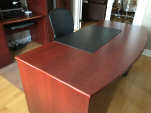 Office Desk Credenza  Excellent Condition Ideal for home/ office