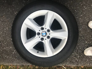"""Like new OEM BMW 18"""" 5 bolt rims with 255 55 18 snow tires"""