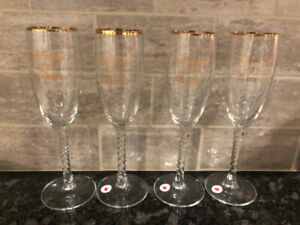 Wedding Centerpieces and Champagne Flutes