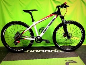 Used Cared For Cannondale F7 custom build 26 lbs Small 26 wheels