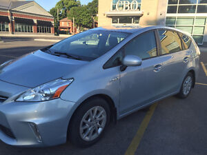 2012 Toyota Prius V One Owner/Clean CarProof