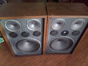 Monster vintage speakers sound amazing excellent condition
