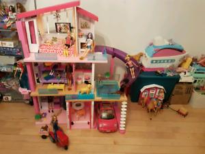 Maison de Barbie avec accessoire et poupée