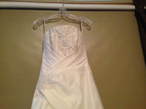 Maggie Sottero Brand New Wedding Dress Size 10
