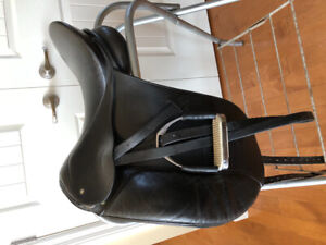 Dressage Saddle | Kijiji in Calgary  - Buy, Sell & Save with