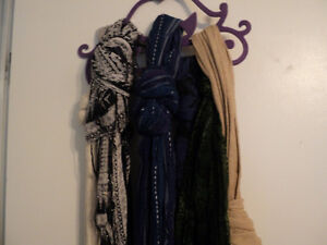 7 GREAT SCRAFS WITH SCARVES  HANGER !!   NEW PRICE !
