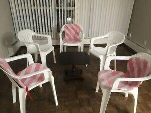 Chairs + Center table