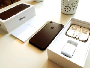brand new! iPhone 7 32gb Unlocked