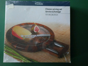 Cheese serving set - Never opened