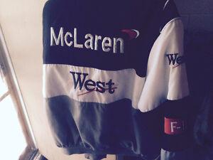 Manteau McLaren et Casquette F1 Signée